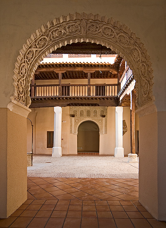 CONVENTO-SANTA-ISABEL-Patio-02