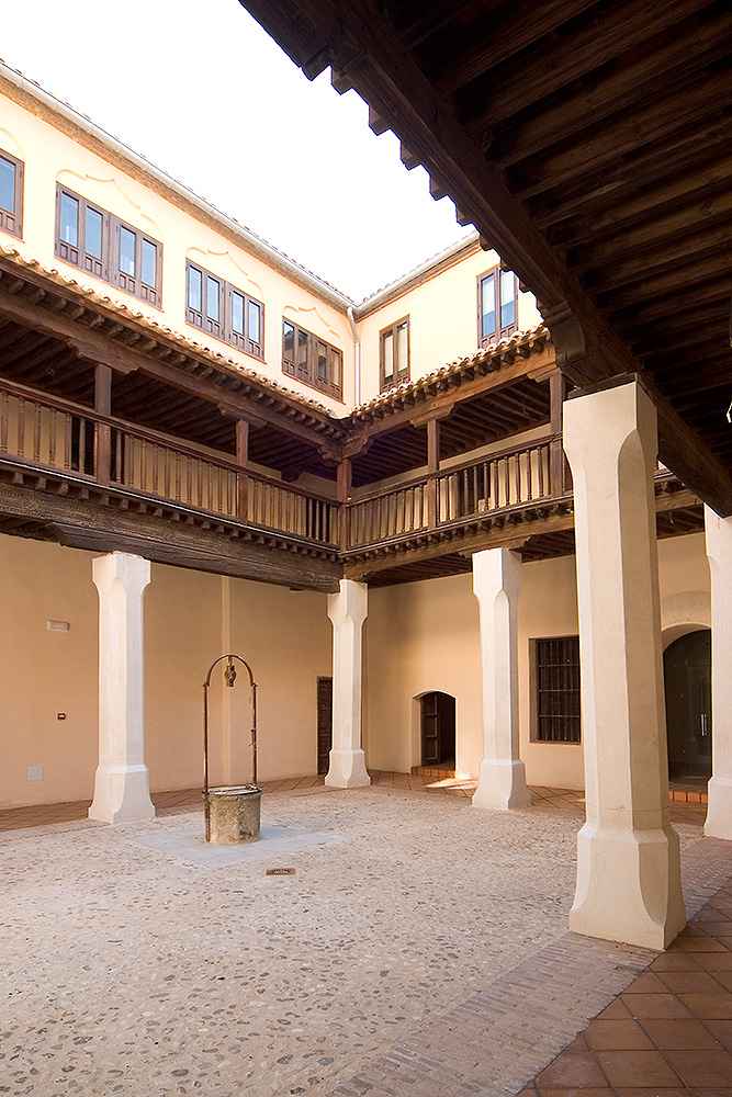 CONVENTO-SANTA-ISABEL-Patio-03